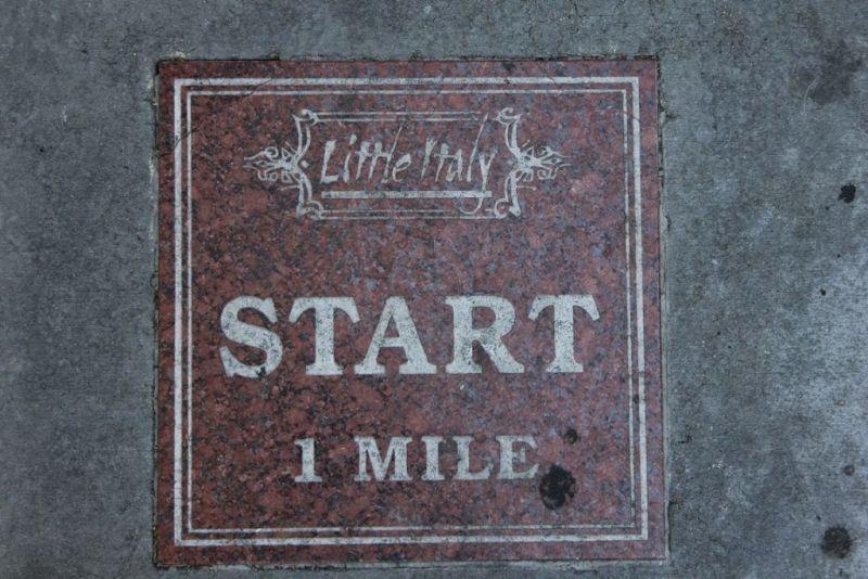 Сан-Диего. Маленькая Италия (Little Italy). Начало одномильной дороги