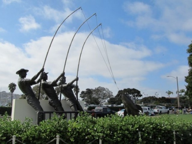 Сан-Диего. Shelter Island. Памятник рыбакам-тунцеловам