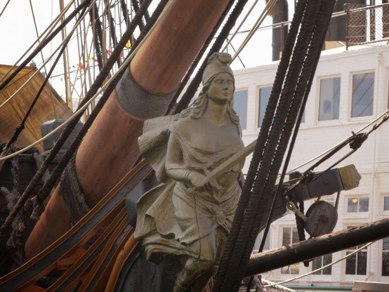 Морской музей Сан-Диего. HMS Surprise. Статуя Афины