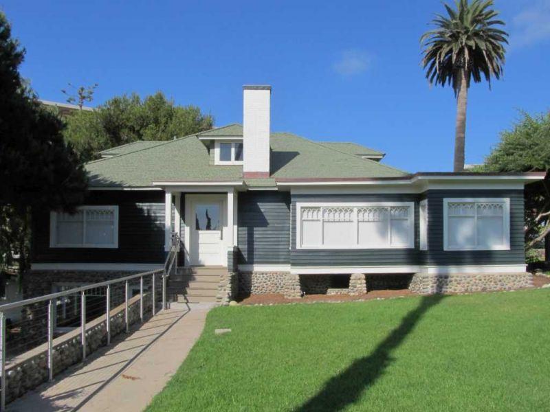 Ла-Хойя (La Jolla). Wisteria Cottage