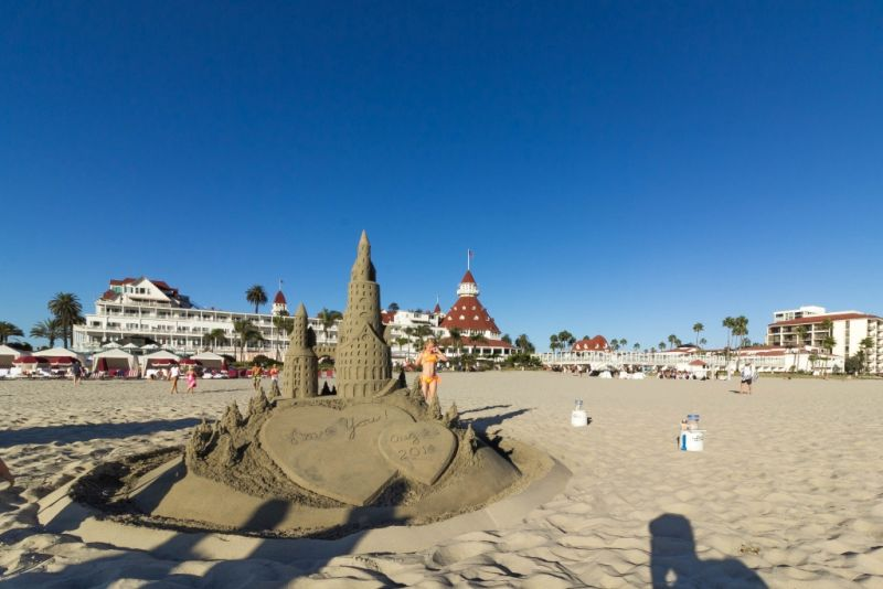 Песчаный замок на пляже Коронадо (Coronado)