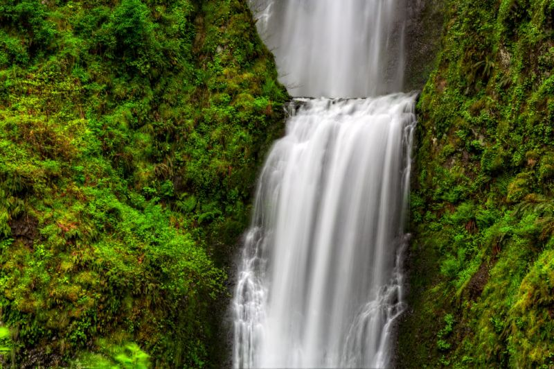 Орегон. Водопад Малтнома (Multnomah Falls). Лето