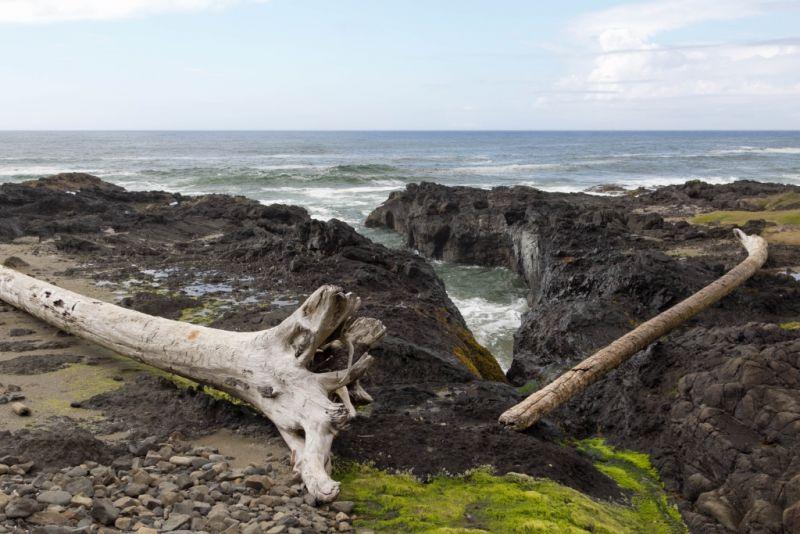 Еще одна расщелина на берегу мыса Перпетуа