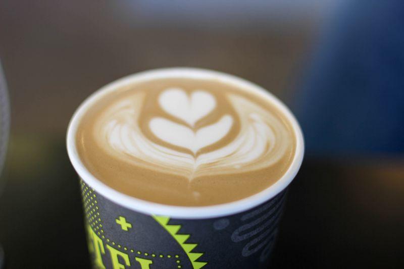Феникс. Ароматный мокко из кофейни Cartel Coffee Lab