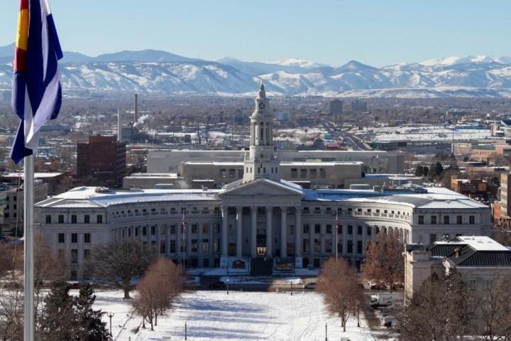 Денвер. Denver City and County Building. Вид со смотровой площадки Капитолия