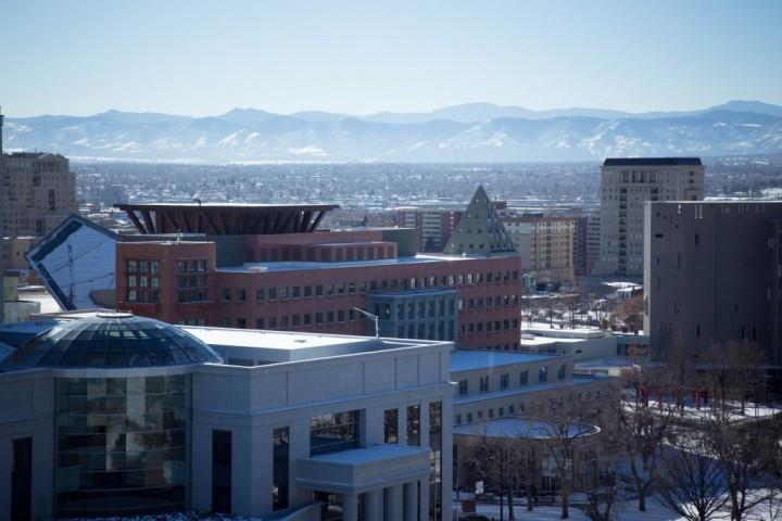 Денвер. Здания библиотеки. Вид со смотровой площадки Капитолия