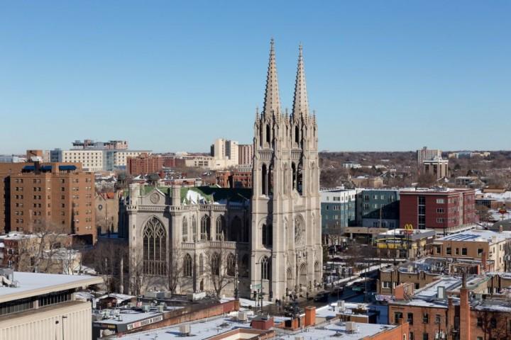 Денвер. Cathedral of the Immaculate Conception. Вид со смотровой площадки Капитолия