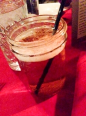 Денвер. Belvedere. Горячее пиво с малиновым сиропом