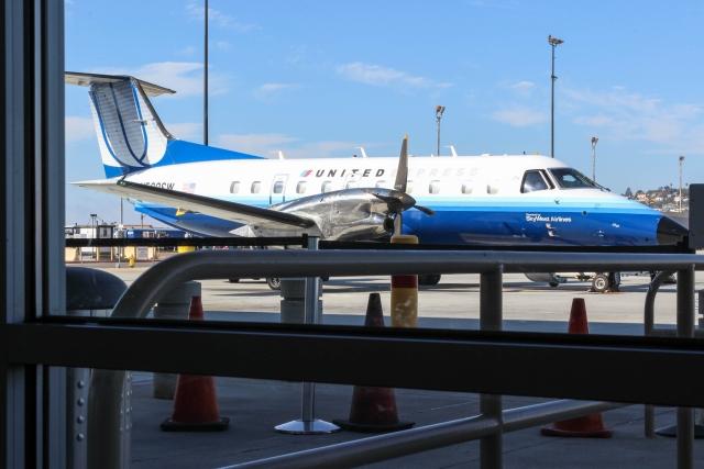 Аэропорт Сан-Диего. Самолет ждет своих пассажиров