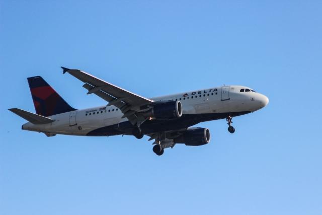 Аэропорт Сан-Диего. Аэрбас 319 (Airbus 319) компании Delta
