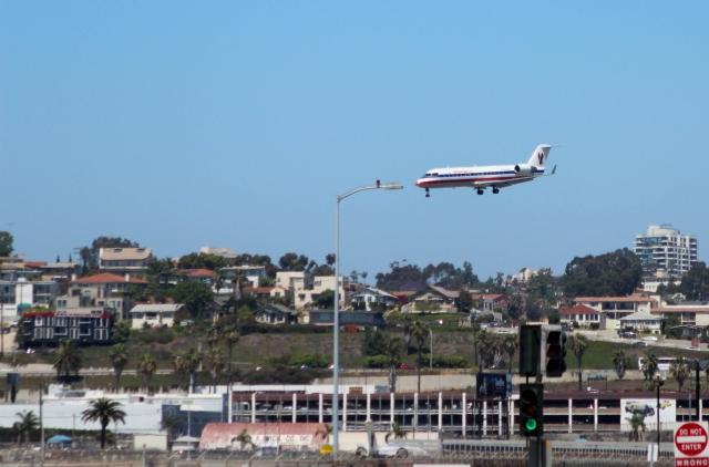 Аэропорт Сан-Диего. CRJ-200 компании American Eagle