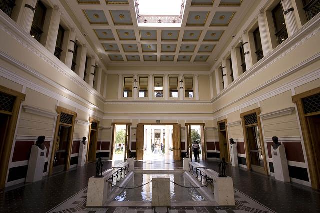 Лос-Анджелес Достопримечательности Вилла Гетти (Getty Villa) Атриум