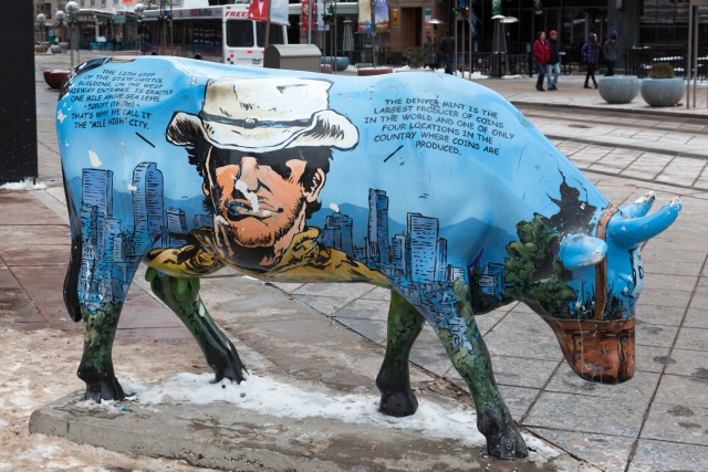 Денверская корова на 16th Street Market
