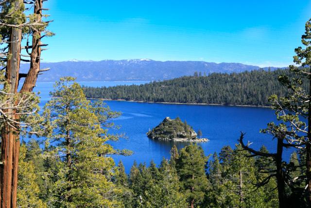 Озеро Тахо (Tahoe Lake). Изумрудная бухта (Emerald bay)