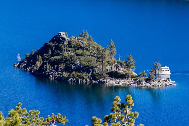 Озеро Тахо (Lake Tahoe) Emerald bay. Остров Фэннет (Fannette Island)