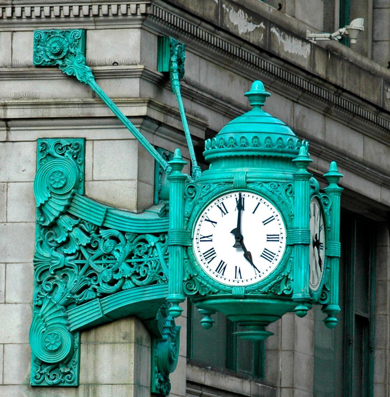 Chicago The Great Clock. Чикаго Достопримечательности Часы у универмага Мейсис