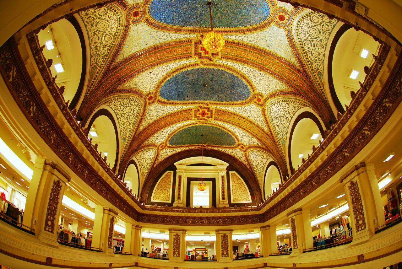 Chicago Macy's Tiffany Ceiling Чикаго Достопримечательности Универмаг Мейсис Потолок от Тиффани