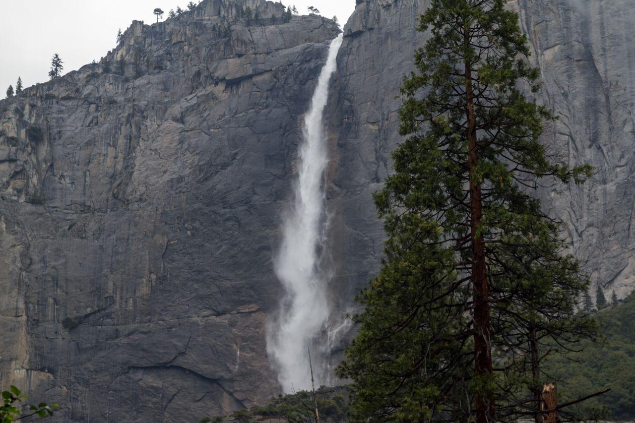 Национальный парк Йосемити. Водопад Йосемити. Верхний каскад