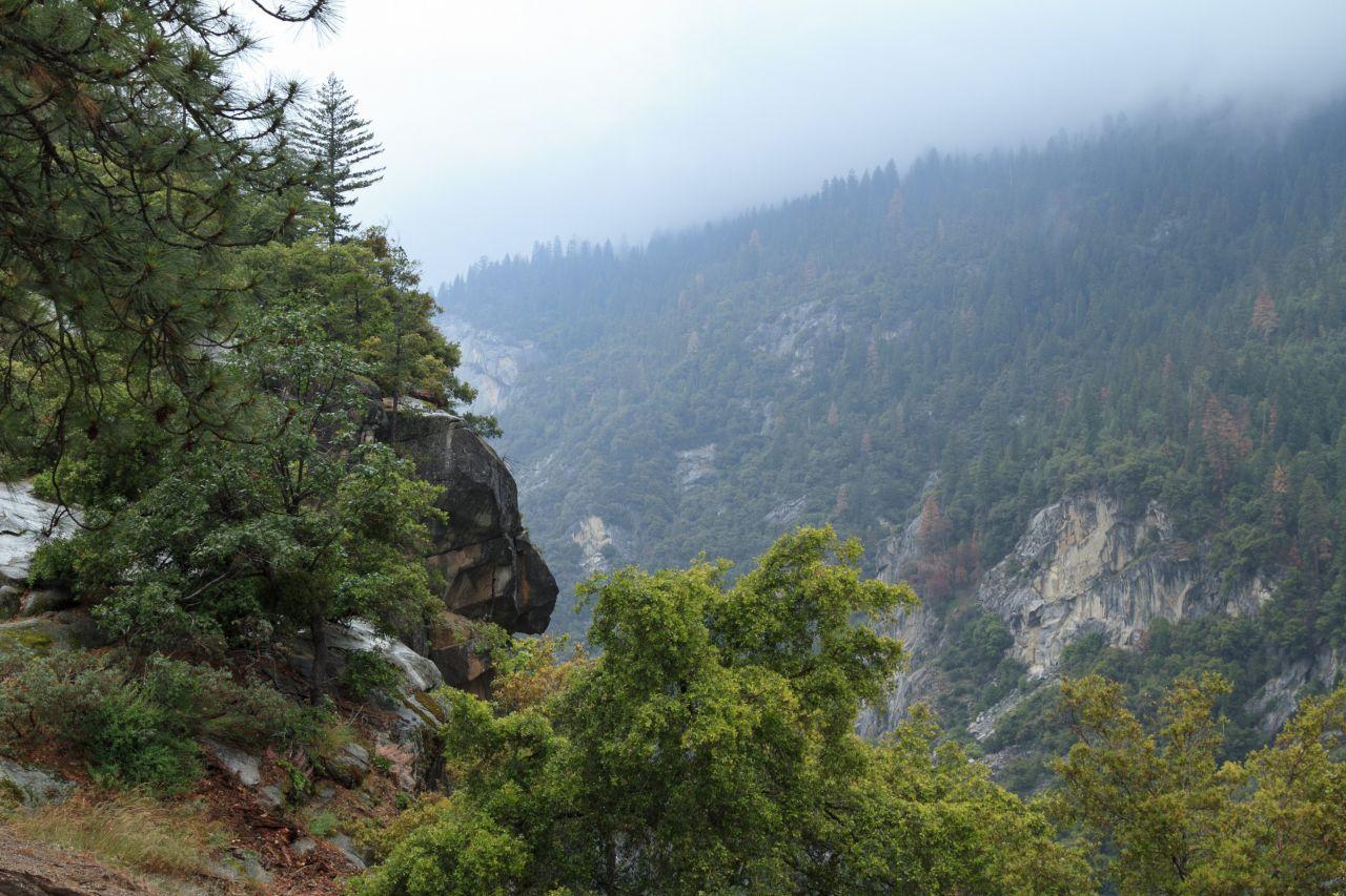Йосемити парк. Вид со смотровой площадки Tunnel View