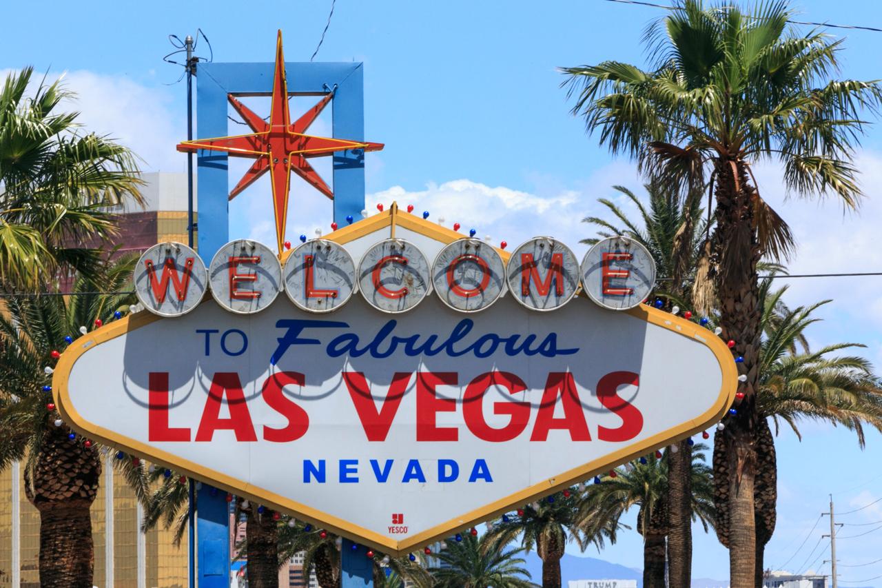 """Знак """"Добро пожаловать в Лас-Вегас"""""""
