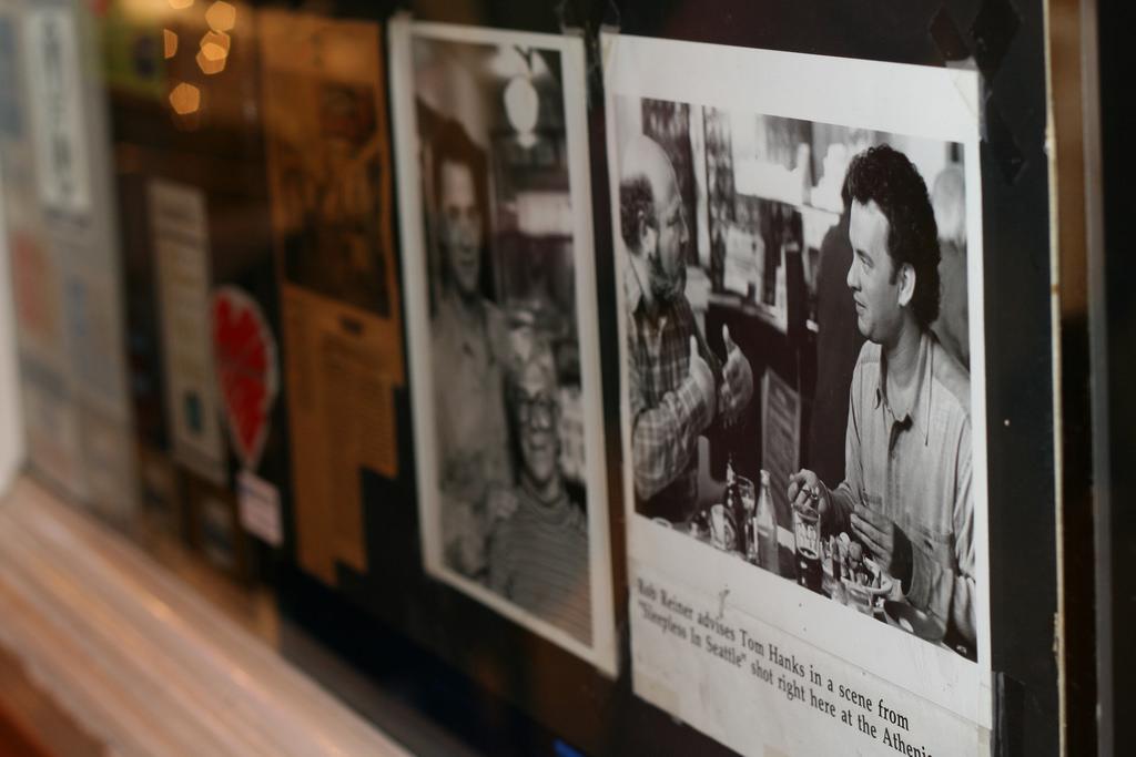 Пайк Плейс Маркет The Athenian Inn Снимки с Томом Хэнксом. Неспящие в Сиэтле