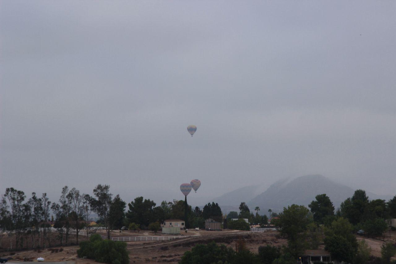 Темекула. Воздушные шары в небе
